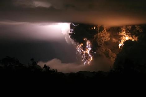Chileanvolcano_2